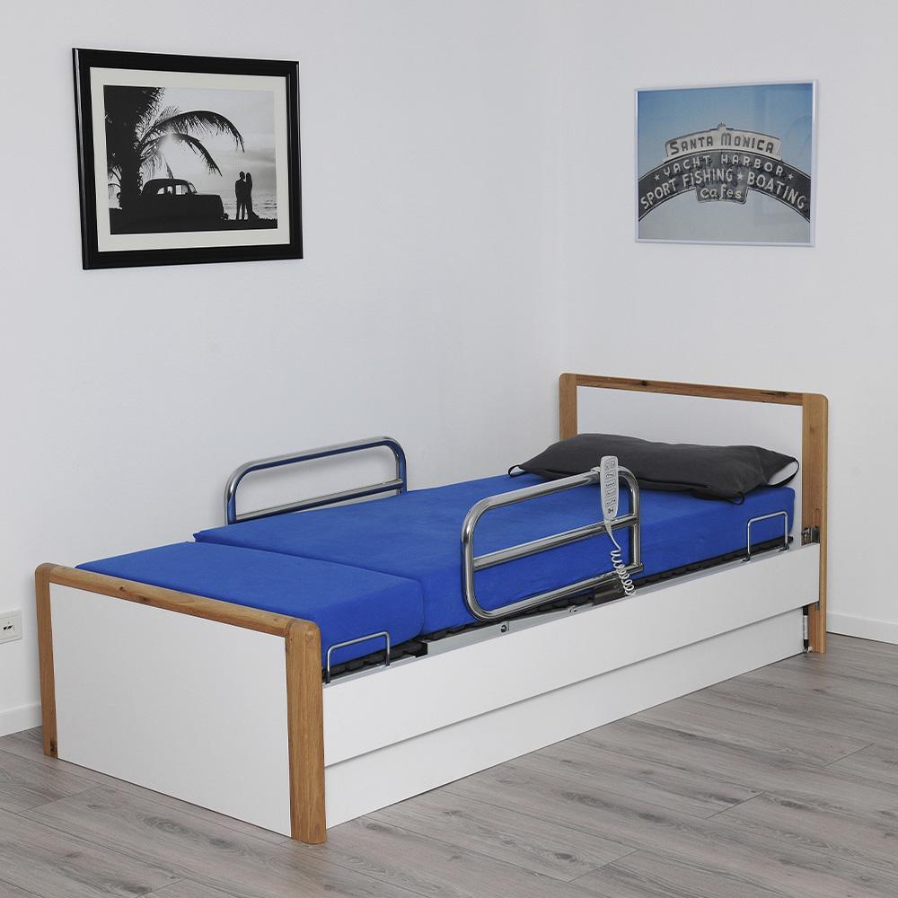 Pflegebett INDREA mit Aufsteh funktion